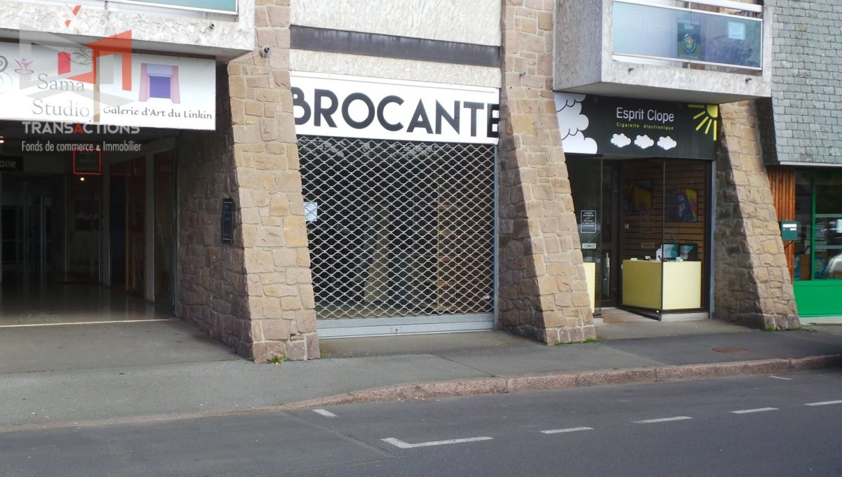 PERROS-GUIREC / PORT : A LOUER LOCAL COMMERCIAL 35 M2 Local Commercial Location